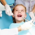 Zahnversiegelung bei Kindern (© Sergey Nivens - Fotolia.com)