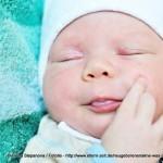 Neugeborenenakne, Babyakne oder 'acne neonatorum' - Fast jedes 5. Kind leidet darunter (© Elena Stepanova / Fotolia)