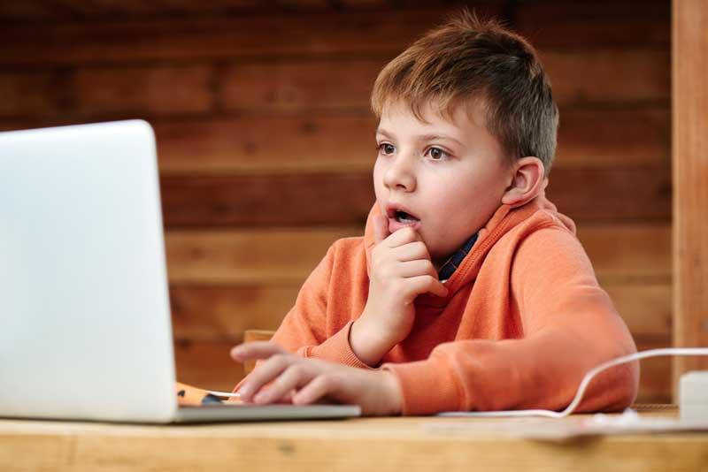 Kinder vor pornografischen Inhalten schützen