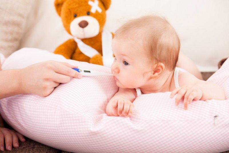 Krankentransport von Babys und Neugeborenen (© detailblick / Fotolia)