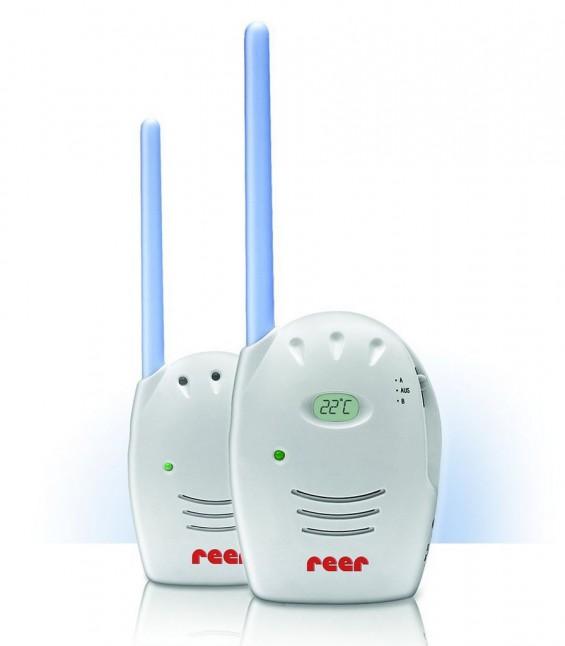 Reer Neo: Das Babyphone Reer 1200 ist eine einfache Günstiglösung für Eltern, die nicht unbedingt die neuesten Technik-Gadgets haben müssen oder auch einfach nicht bezahlen können. Mit rund 20 EUR ist man bei Amazon dabei.